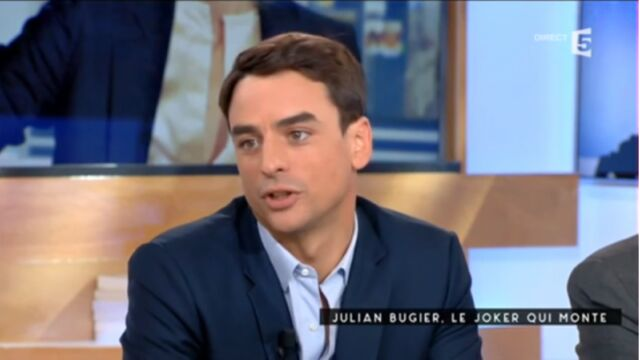 "Eviction de Claire Chazal : Julian Bugier fustige l'""inélégance"" de TF1 (VIDEO)"
