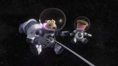 L'Âge de Glace 5 : Scrat est de retour et s'offre un petit voyage dans l'espace... (VIDEO)