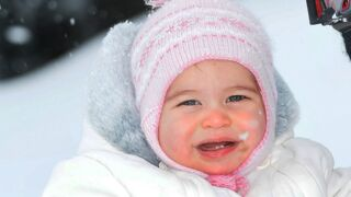 Gotha : La princesse Charlotte d'Angleterre a 3 ans (23 PHOTOS)