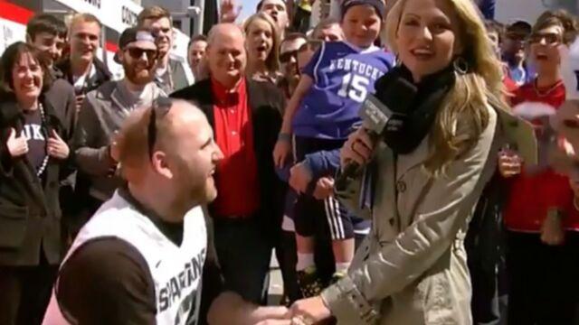 Une journaliste demandée en mariage en plein duplex ! (VIDÉO)