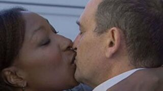 Plus belle la vie : SURPRISE Sara et Jean-François s'embrassent !