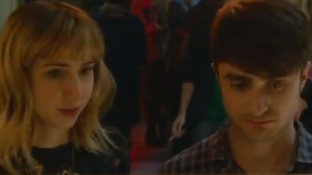 Daniel Radcliffe s'essaye à la comédie romantique (VIDEO)