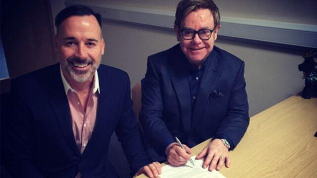 Elton John se marie !