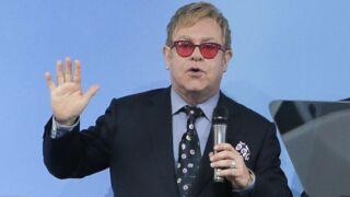 """Elton John veut discuter avec Vladimir Poutine : """"Les gays ne sont pas un problème"""""""