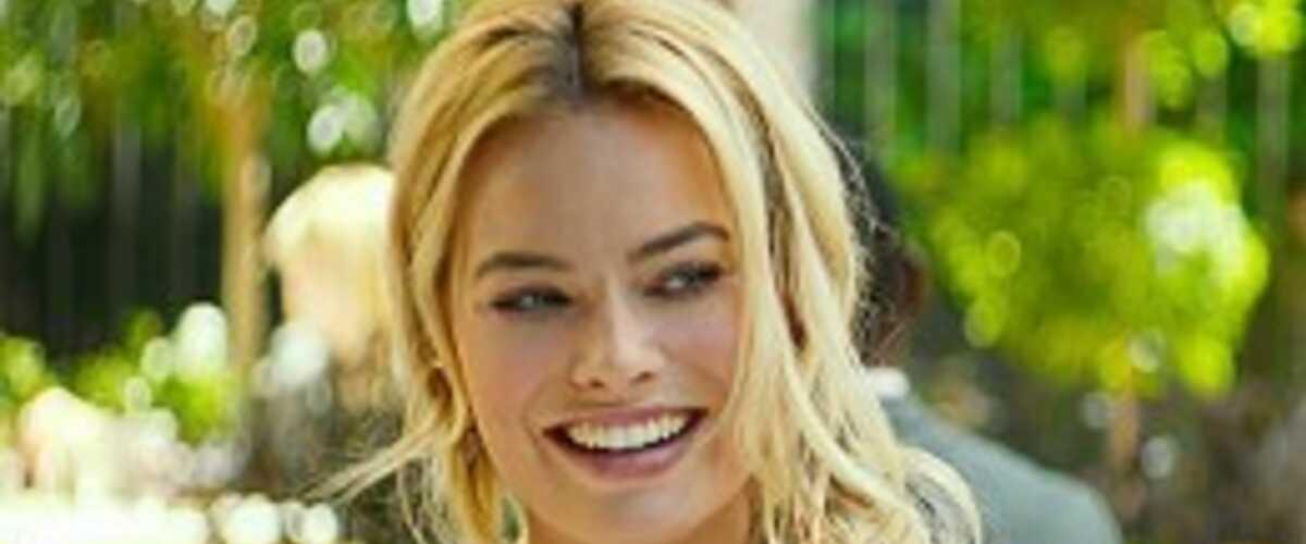 9382e2ace0ad Margot Robbie   plus qu une bimbo (Diversion)