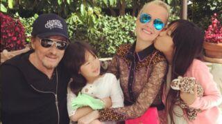 Johnny Hallyday donne un cours de chant à sa fille et c'est adorable ! (VIDEO)