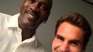 Twitter : Roger Federer fait un selfie avec Michael Jordan (le vrai), Hanouna prépare la rentrée