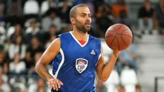 Basket : Tony Parker joue avec George Clooney et Matt Damon ! (PHOTOS)