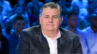 Pierre Ménès sera aux côtés d'Estelle Denis pour sa première de Touche pas à mon sport