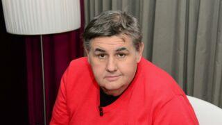 Absent de Canal+ en septembre, Pierre Ménès donne de ses nouvelles
