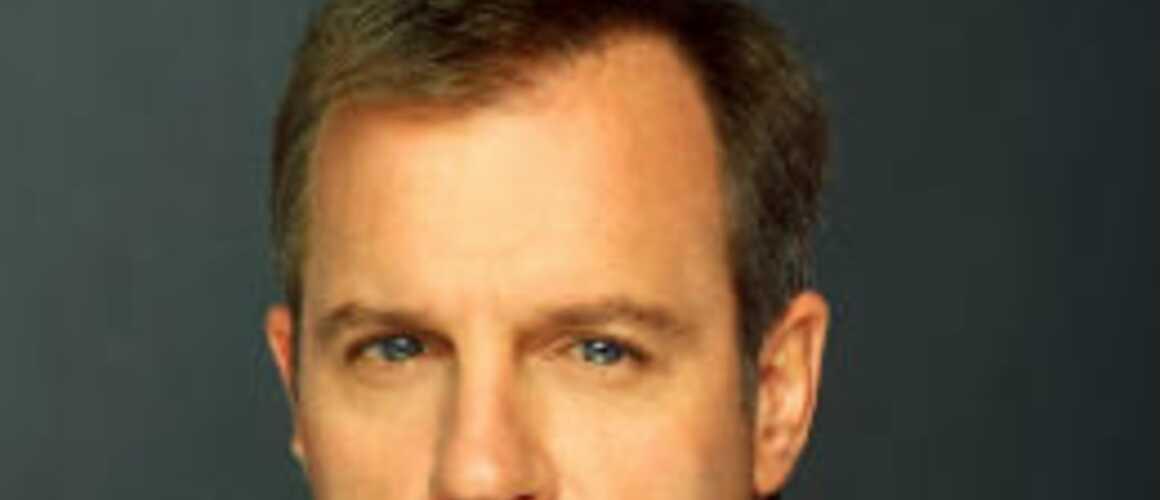 Stephen collins 7 la maison perd son r le dans scandal for Rosy dans 7 a la maison