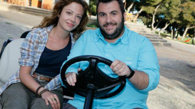 Dounia Coesens (PBLV) rend visite à Camping Paradis sur TF1 (VIDEO)