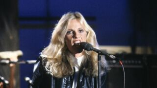Que devient Kim Carnes, la chanteuse des années 80 ?