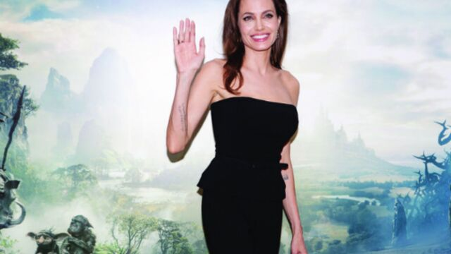 Angelina Jolie, la belle Maléfique en visite à Paris (PHOTOS)