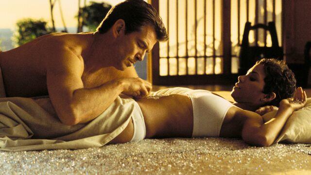 L'acteur du dimanche : Pierce Brosnan en James Bond dans Meurs un autre jour (31 PHOTOS)