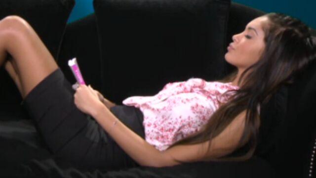 Nabilla prépare un livre explosif (VIDEO)