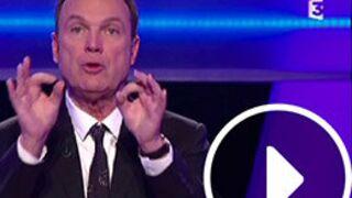 Julien Lepers sous le charme d'une candidate, Tex craque... Le Zapping jeux (VIDEO)
