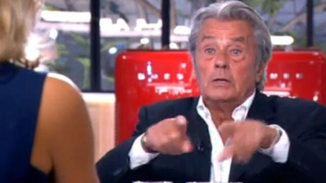 Alain Delon dérape dans C à vous (VIDEO)