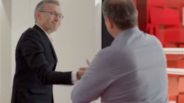 Laurent Ruquier et Yves Calvi font le show dans les couloirs de RTL (VIDEO)