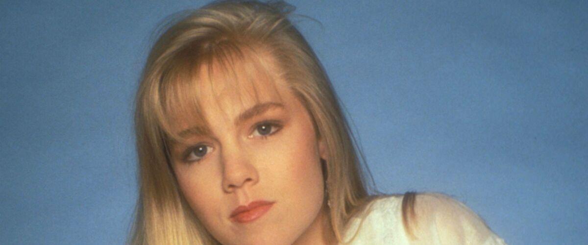 Un père Noël au grand cœur (C8) : depuis Beverly Hills, Jennie Garth a bien changé (PHOTOS)