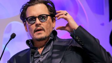 Johnny Depp rend un hommage émouvant à sa fille Lily-Rose Depp et son ex-femme Vanessa Paradis
