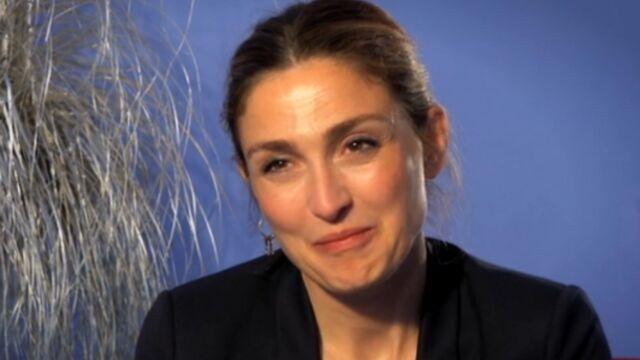 Depuis Hollande, Julie Gayet reçoit de drôles de scénarios (VIDEO)