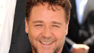 Russell Crowe, musicien alcoolique au cinéma !