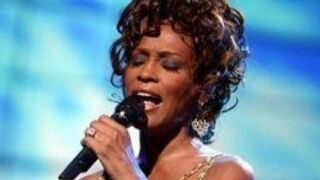 Mort de Whitney Houston : la diva pop noyée dans sa baignoire ?
