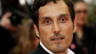 Luc Besson embauche Vincent Elbaz pour sa série sur TF1
