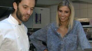 Top chef : Yoni donne un cours de cuisine à Alexandra Rosenfeld (VIDEO)