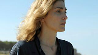 Julie Gayet fait les yeux doux à Mathieu Demy