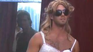 Secret Story: Les garçons, déguisés, imitent les filles!