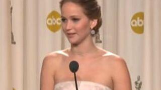 Jennifer Lawrence s'explique sur sa chute aux Oscars !