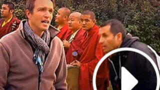 Pékin Express 2014 : Les premières images de l'arrestation en Inde (VIDEO)