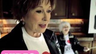 Marion Game (Scènes de Ménages) : Une mamie très rock ! (VIDEO)