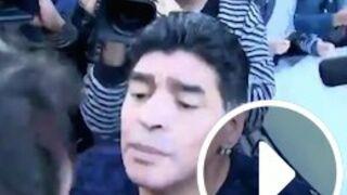 Très agacé, Diego Maradona gifle un journaliste ! (VIDEO)