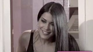 Hollywood Girls 3 : Caroline, Kevin, Kamel pleurent Ayem (VIDEO)
