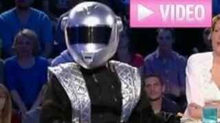 On n'est pas couché : Jonathan Lambert déguisé en Daft Punk !  (VIDEO)