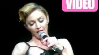 Madonna dévoile un sein à Istanbul (VIDEO)