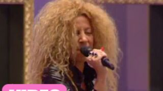 Carré Viiip : Afida Turner, top ou flop musical ? (VIDEO)