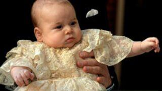Le baptême du prince George entouré du Prince William et de Kate Middleton