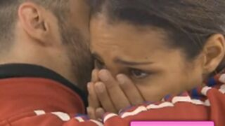 Ice Show : Chloé Mortaud fond en larmes ! (VIDEO)