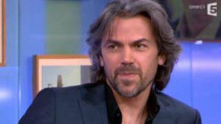 Aymeric Caron : plaqué par une fille parce qu'il est... végétarien ! (VIDEO)