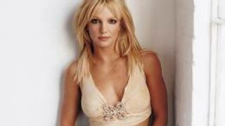 Britney Spears en secrétaire sexy (vidéo)