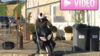 La spectaculaire chute d'un journaliste à moto (VIDEO)