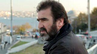 """Eric Cantona s'en prend au """"public de merde"""" d'Arcachon"""
