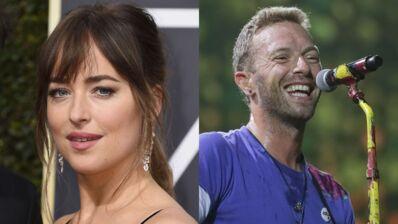 Dakota Johnson (50 nuances de Grey) et Chris Martin (Coldplay) : leurs photos de couple à la plage ! (PHOTOS)