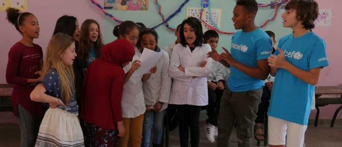 Les kids united en mission au maroc extraits toutes les vid os avec t l loisirs - C est au programme chroniqueur ...