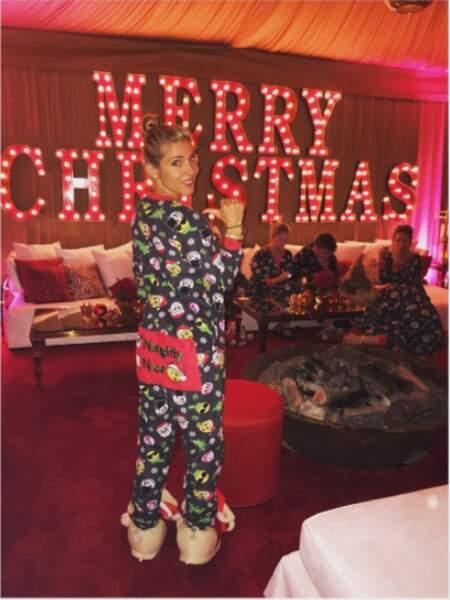 Soirée de Noël en pyjama pour Elsa Pataky