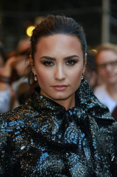 Deux Demetria devenues Demi : la chanteuse Demi Lovato...
